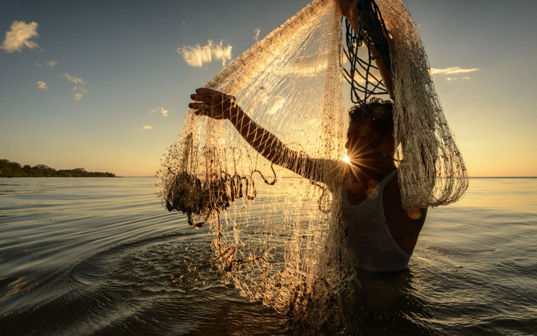 Lake Nicaragua Cast Net Fishing.